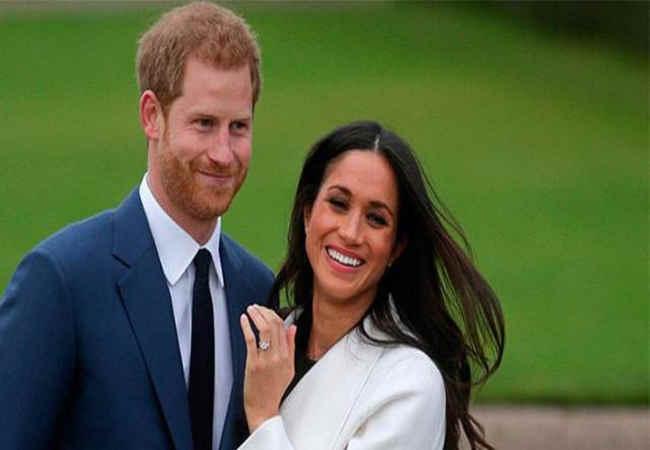 Prens Harry ve eşi Resmen Kraliyet ailesinden ayrıldı
