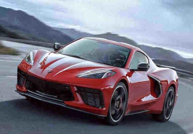 Chevrolet Corvettenin en son modeli can yakiyor