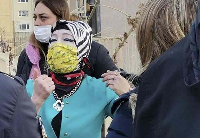 Ankara'da Hayvan ticareti yapan türbanli kadina ceza