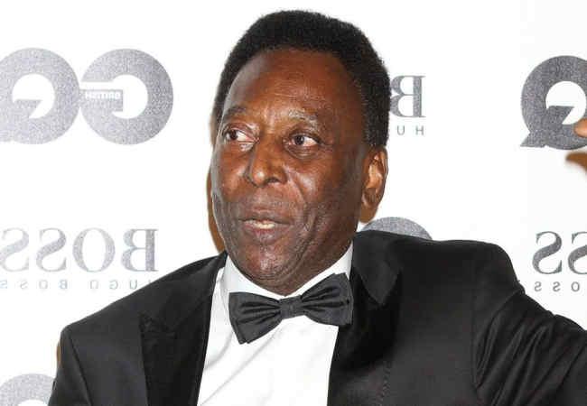 Ünlü Futbolcu Pele hastanede Dünya Pelé için endişeleniyor.