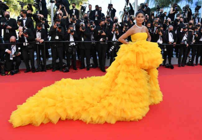 74. Dunya Film Festivali Fransanin Cannes kentinde basladi.