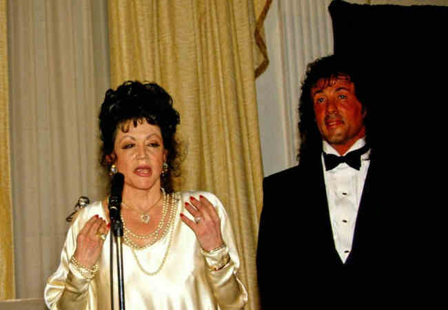 Sylvester Stallone'in annesi Jackie Stallone öldü.