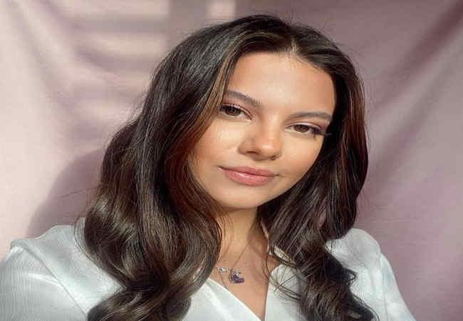 Dilara Korkmaz Türkiye'nin en güzel kızı unvanını aldı.