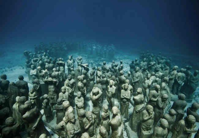 Sualtındaki en büyük heykel. Seyehat haberler